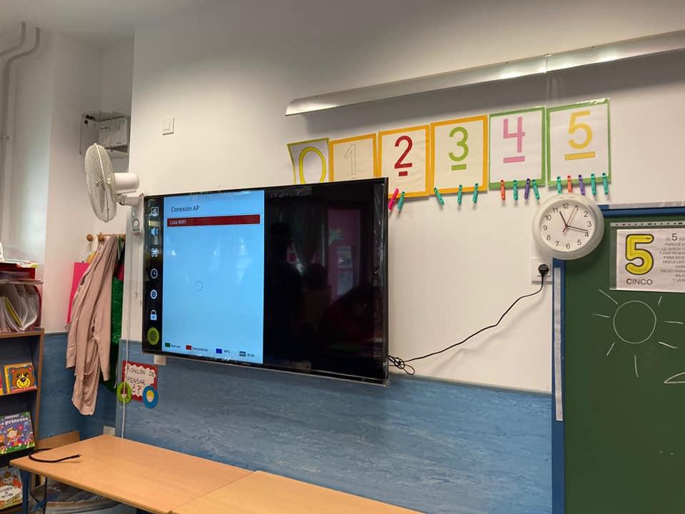 AionSur: Noticias de Sevilla, sus Comarcas y Andalucía colegios-huevar El colegio de Huévar se digitaliza con cinco pantallas de última generación Sociedad