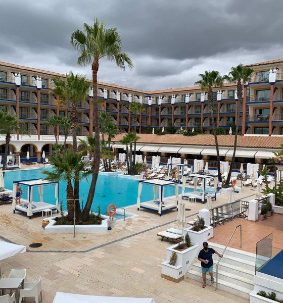 Un hotel de Isla Cristina busca un cliente para pagarle 4.000 euros por dos meses de alojamiento